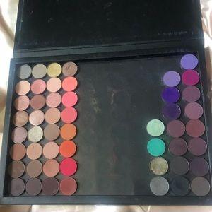 Mixed Eyeshadow Lot 51 Shadows